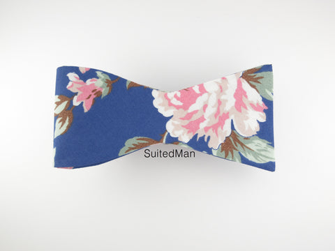 Floral Bow Tie, Blue Peach Rose en Bloom, Flat End - SuitedMan