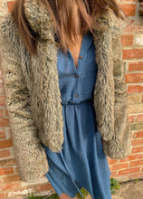 Load image into Gallery viewer, Cotton midi shirt dress with faux fur coat