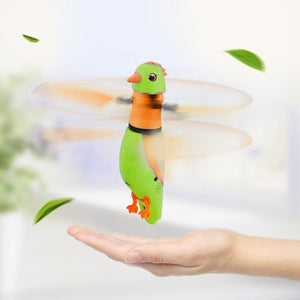 USB Charging Induction Flying Parrot Singing Bird Flying Toy with LED Flashing Light, Age Range: 8 Years Old Above, Without Remote Control(Green)