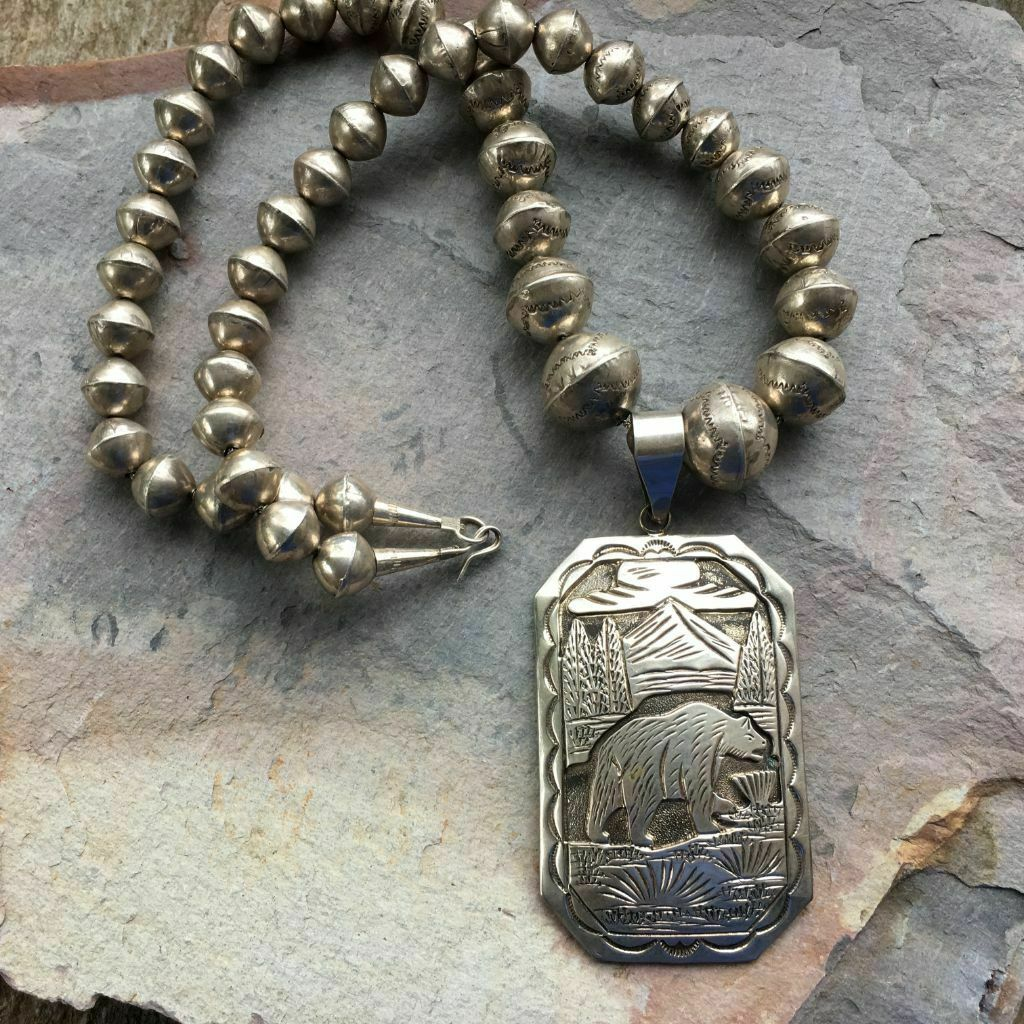 Vintage BIG NAVAJO SPIRIT BEAR NECKLACE Native American Old Pawn All Sterling Silver