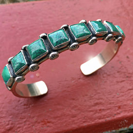 Vintage Navajo Cuff Bracelet with 8 Spiderweb Turquoise stones - sea green - Mens Womens
