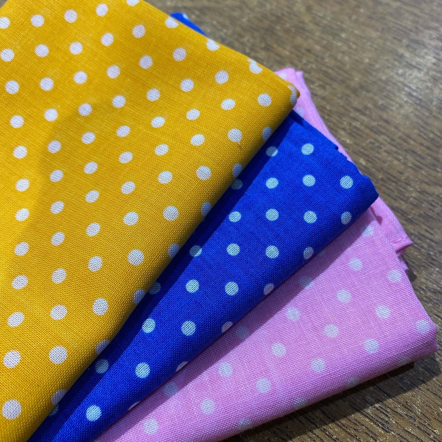 Light Polka Dot Handkerchief Set
