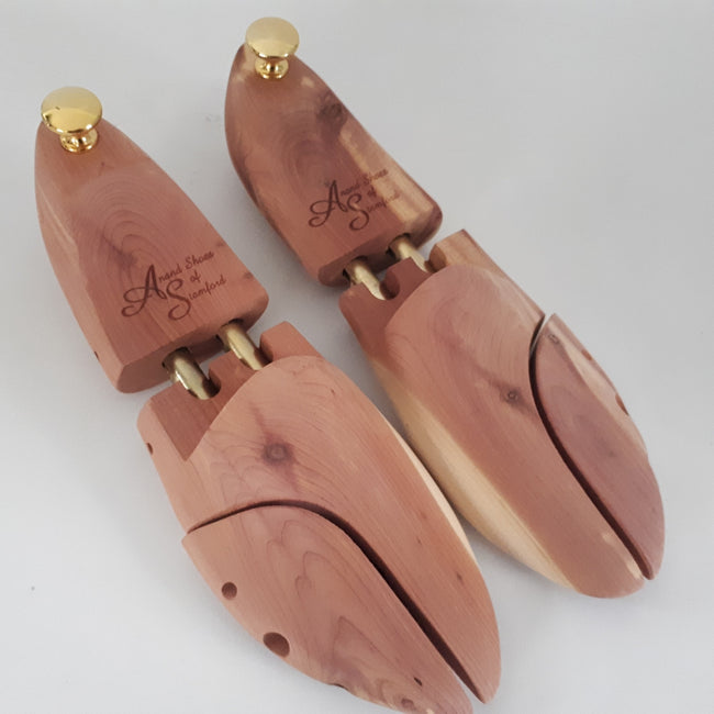 Cedar Wood Shoe Tree