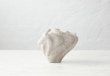 Load image into Gallery viewer, Løvfall skulptur, granite balance