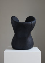 Load image into Gallery viewer, Løvfall skulptur, Brent sørlands eik torso