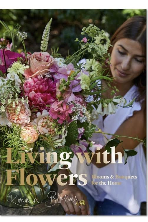 Living with Flowers: Blooms and Bouqets for the Home