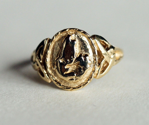 R-464a - Ladies Cape Breton ring  - Gold