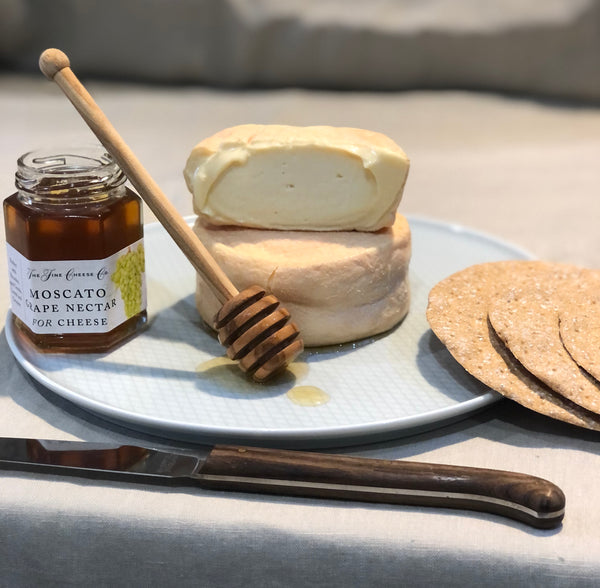 evenlode washed rind cheese from kingstone dairy