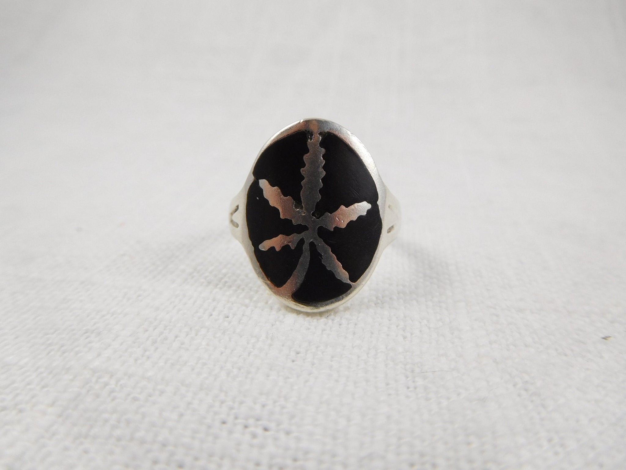 Size 8 Vintage Sterling and Enamel Ring