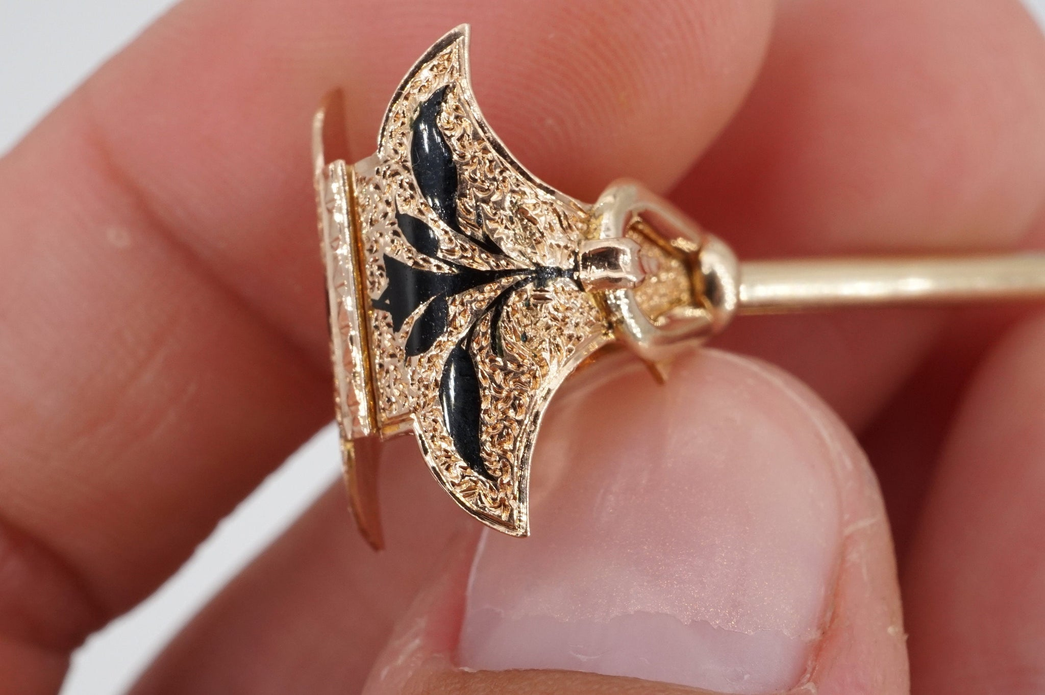 antique victorian 14k gold taille d'epargne enamel mourning handkerchief holder ring, size 3.5