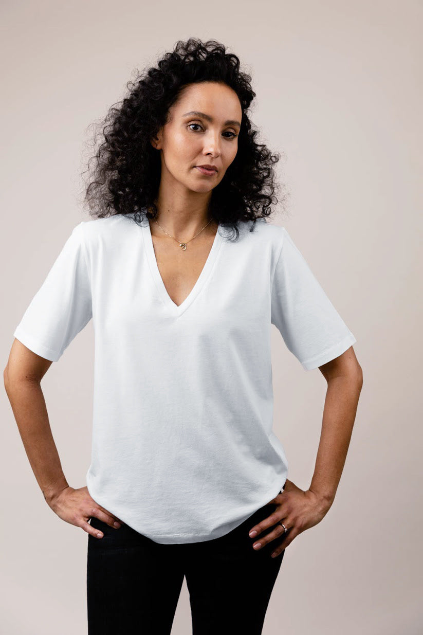 Kate white V-neck short sleeve t-shirt