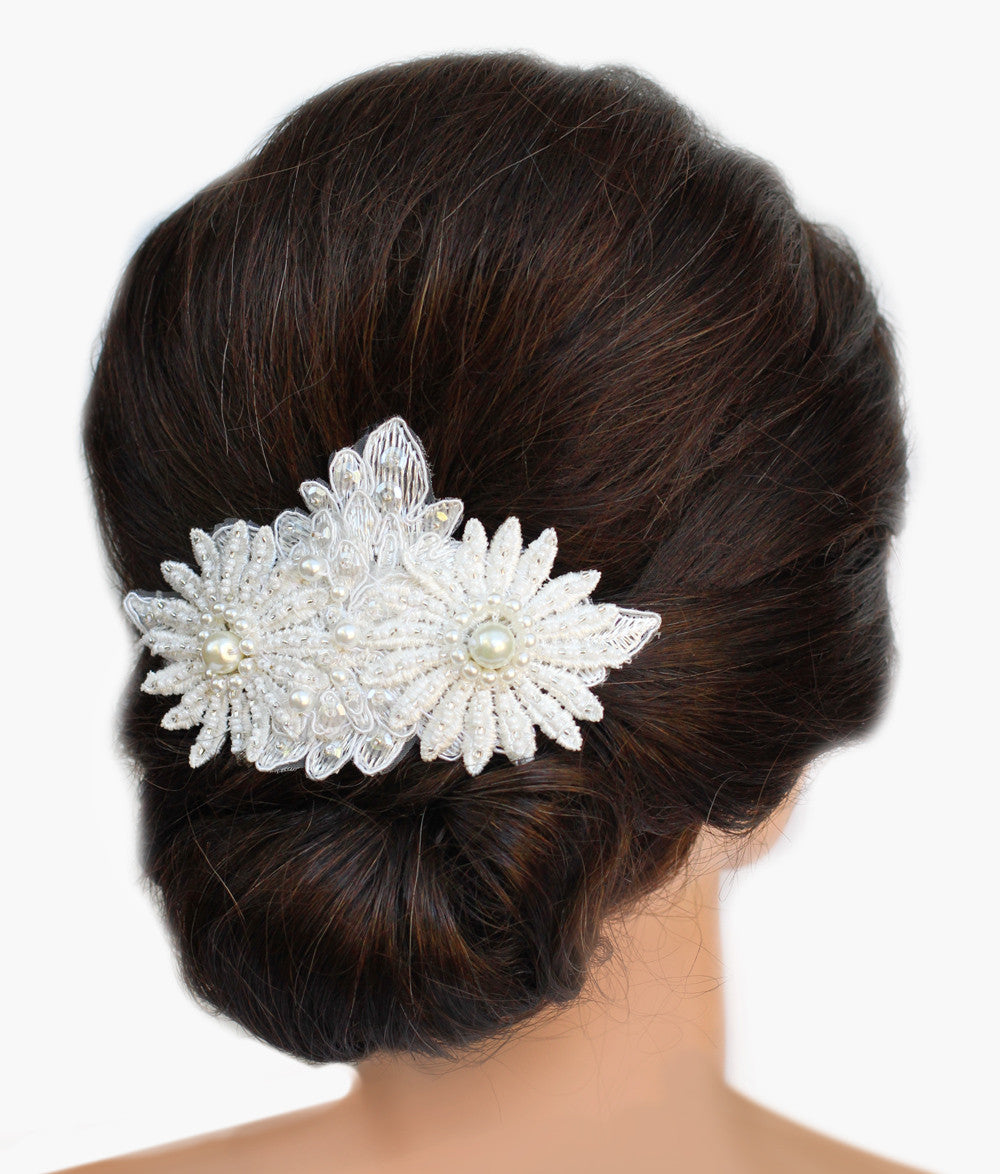 Daisy Pearl Bridal Haircomb - Perle Jewellery & Makeup  - 1