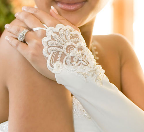 Bridal Gloves Elegant Fingerless Gloves with Pearls Elbow