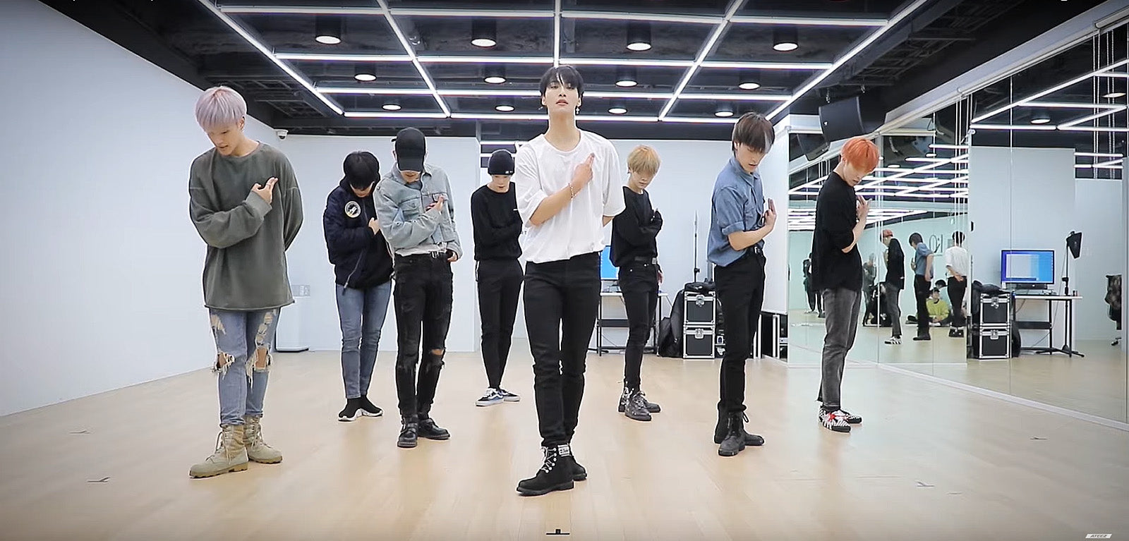 "(Video) ATEEZ releases its training video on ""WONDERLAND"" - Kpopshop"