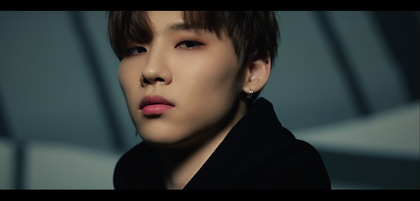 AB6IX unveils a teaser video of Jeon Woong as the group's debut approaches