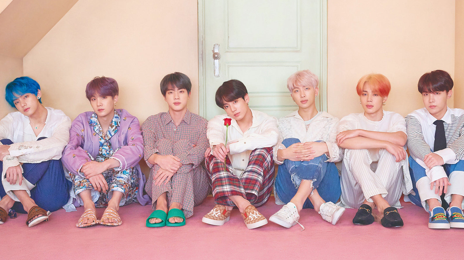 "BTS: ""MAP OF THE SOUL: PERSONA"" becomes the best-selling album of all history in South Korea in just a few hours"