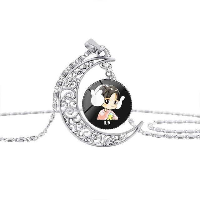 Hot sale Kpop Stray Kids kawaii cartoon Necklace Moon Crystal HD photo pendant cute stray kids kpop necklace Alloy No rust