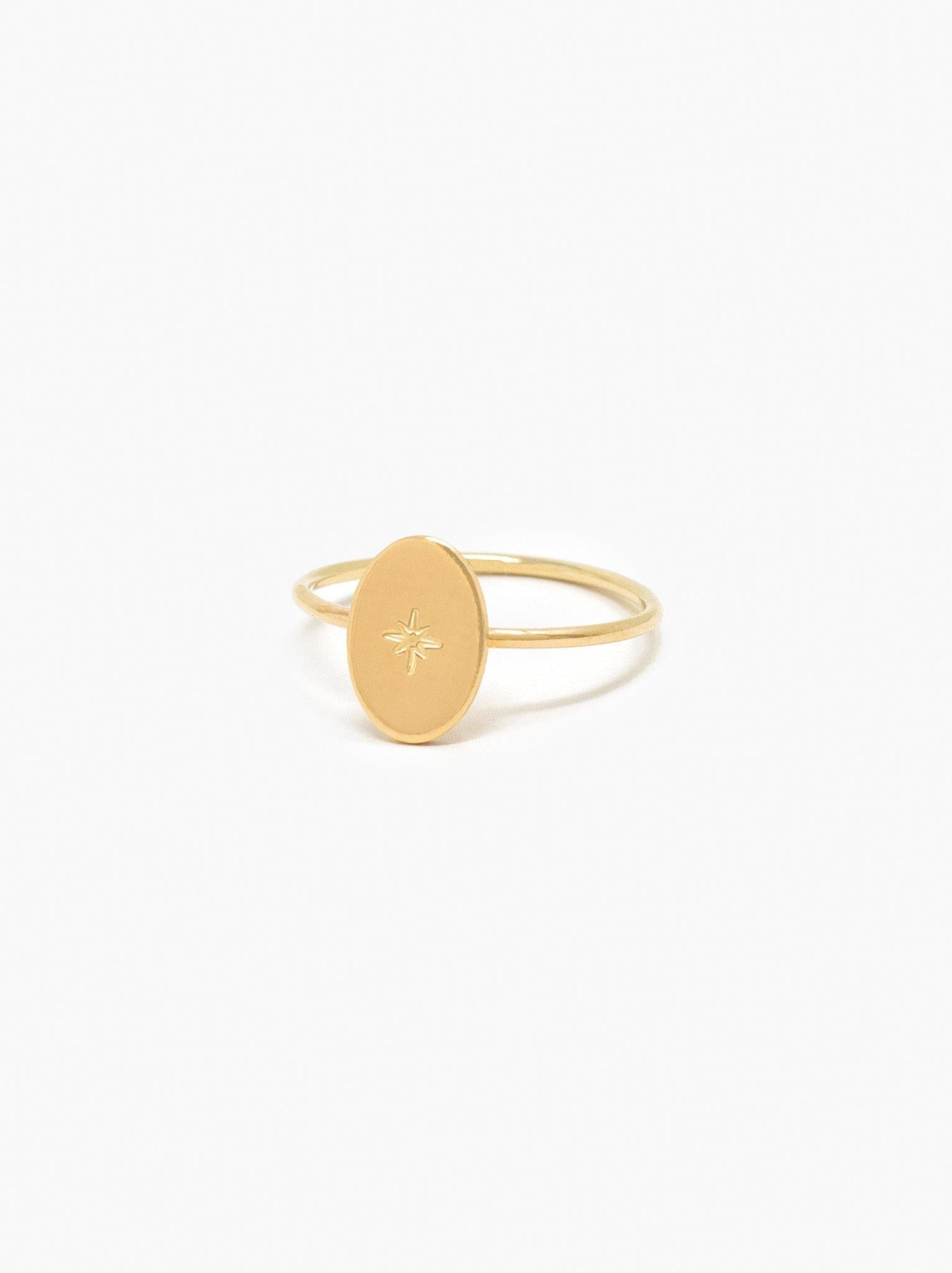 Able Dainty Oval Ring - Gold