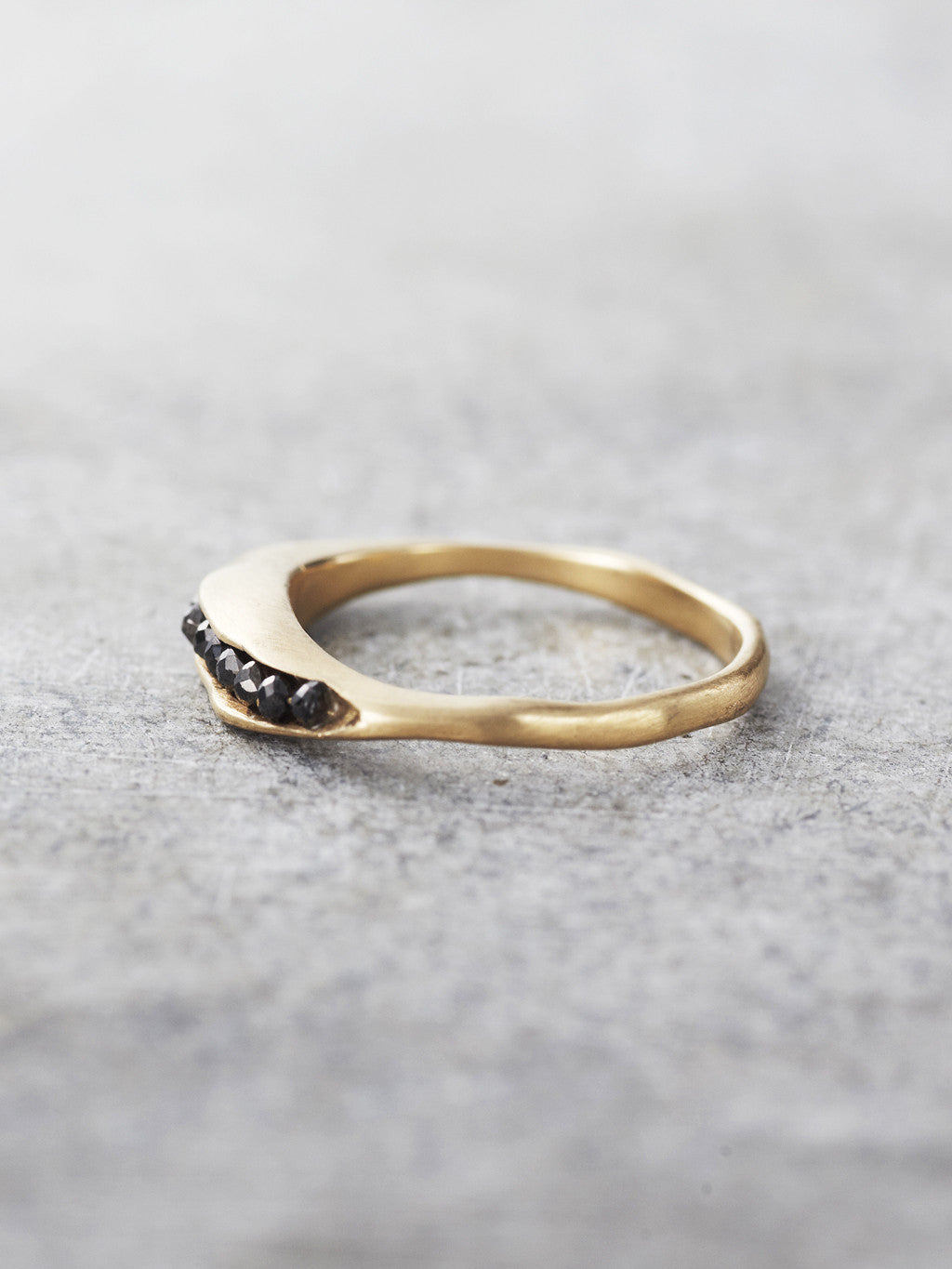 Black Diamond Pod Ring - Profile