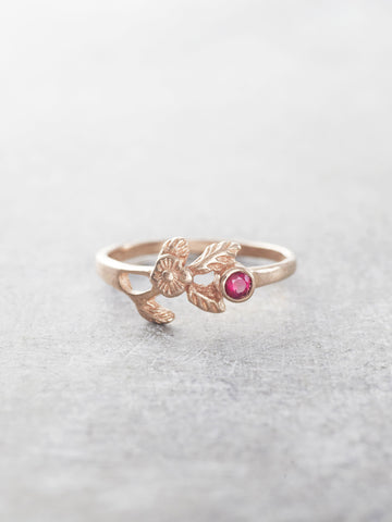 Ruby Kiss Ring - LUNESSA