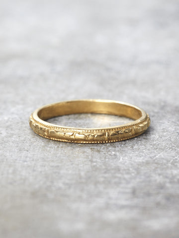 14K Antique Engraved Wedding Ring Band - Yellow Gold