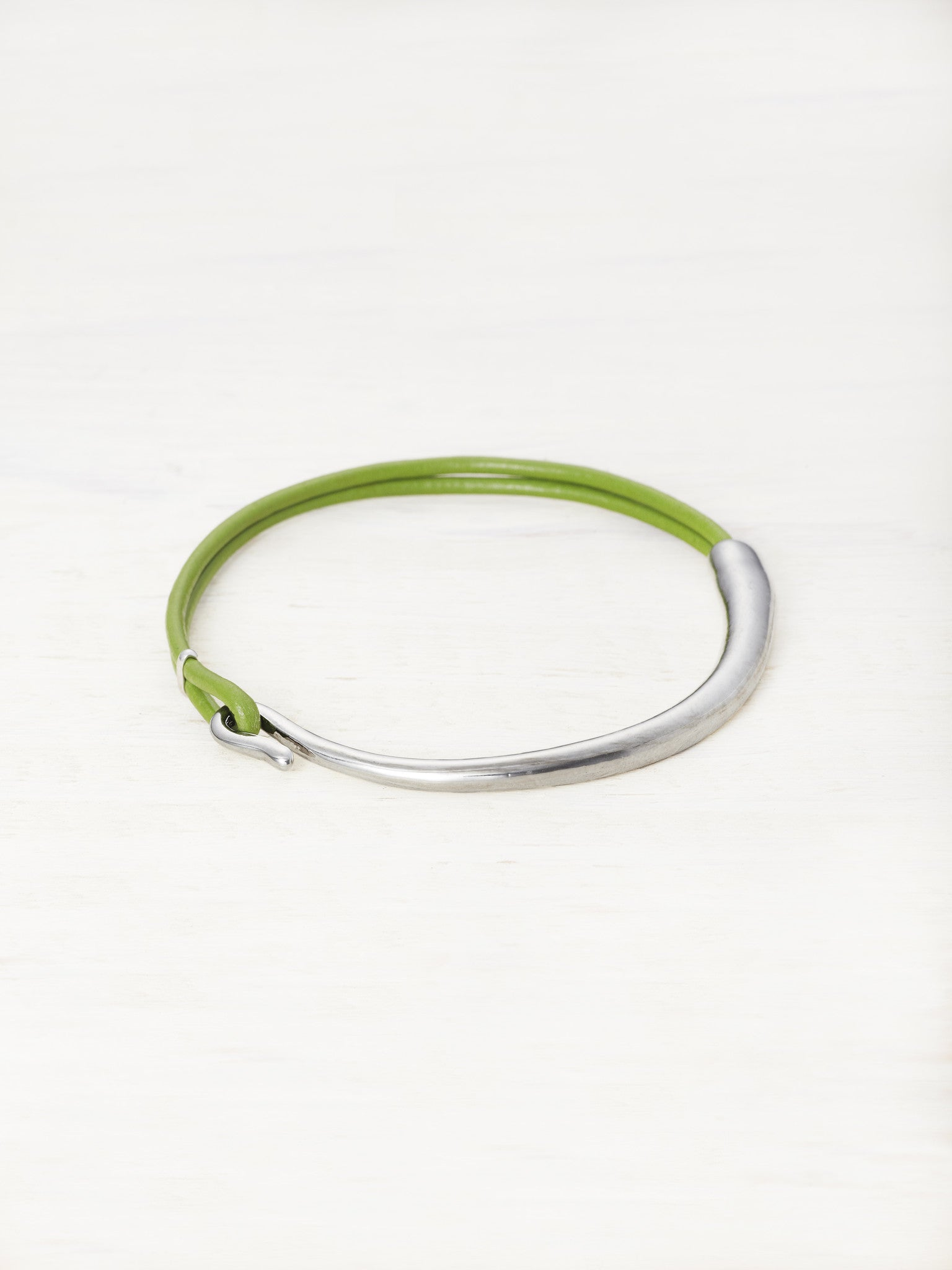Kids Leather Bar Bracelet - Avocado
