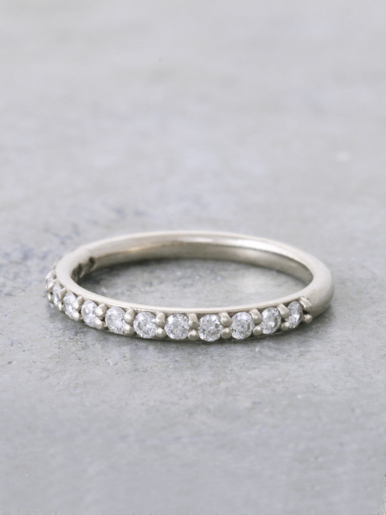 14K Diamond Ahava Band