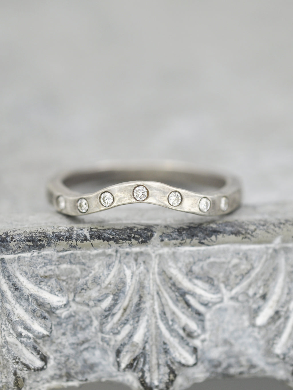 14K Seven Diamond Curved Ring Band