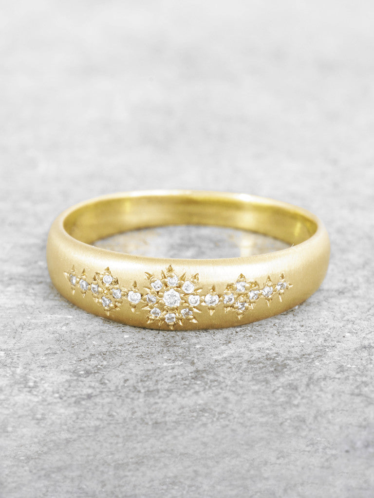 Shimmering Stardust Diamond Ring