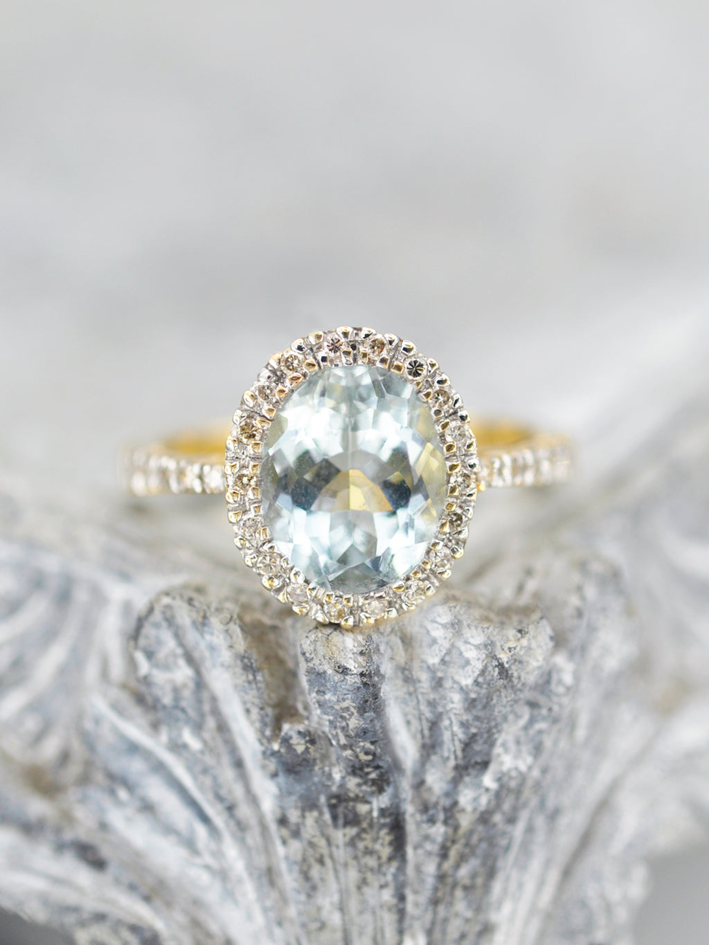 14K Oval Aquamarine Diamond Halo Ring - LUNESSA