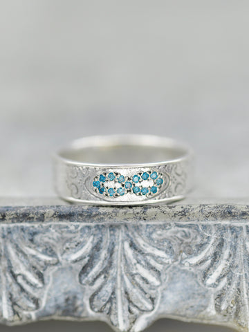 Engraved Pave Diamond Infinity Ring - Blue Diamonds