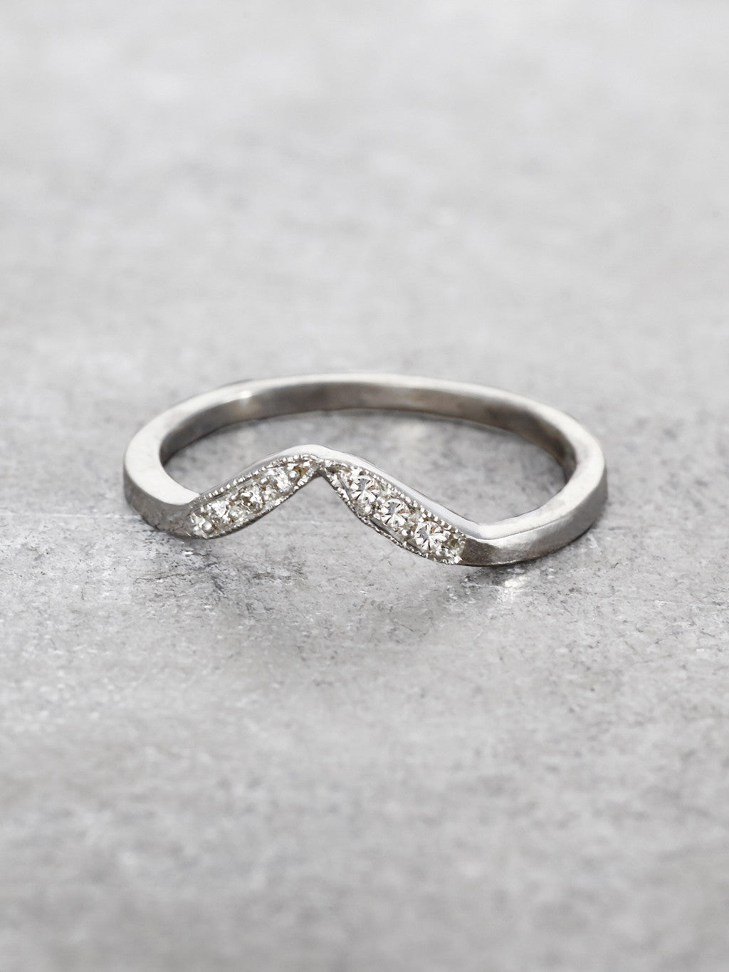 Milgrain Peak Diamond Leaf Ring