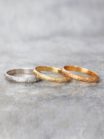 14K Sunshine Wedding Band - LUNESSA