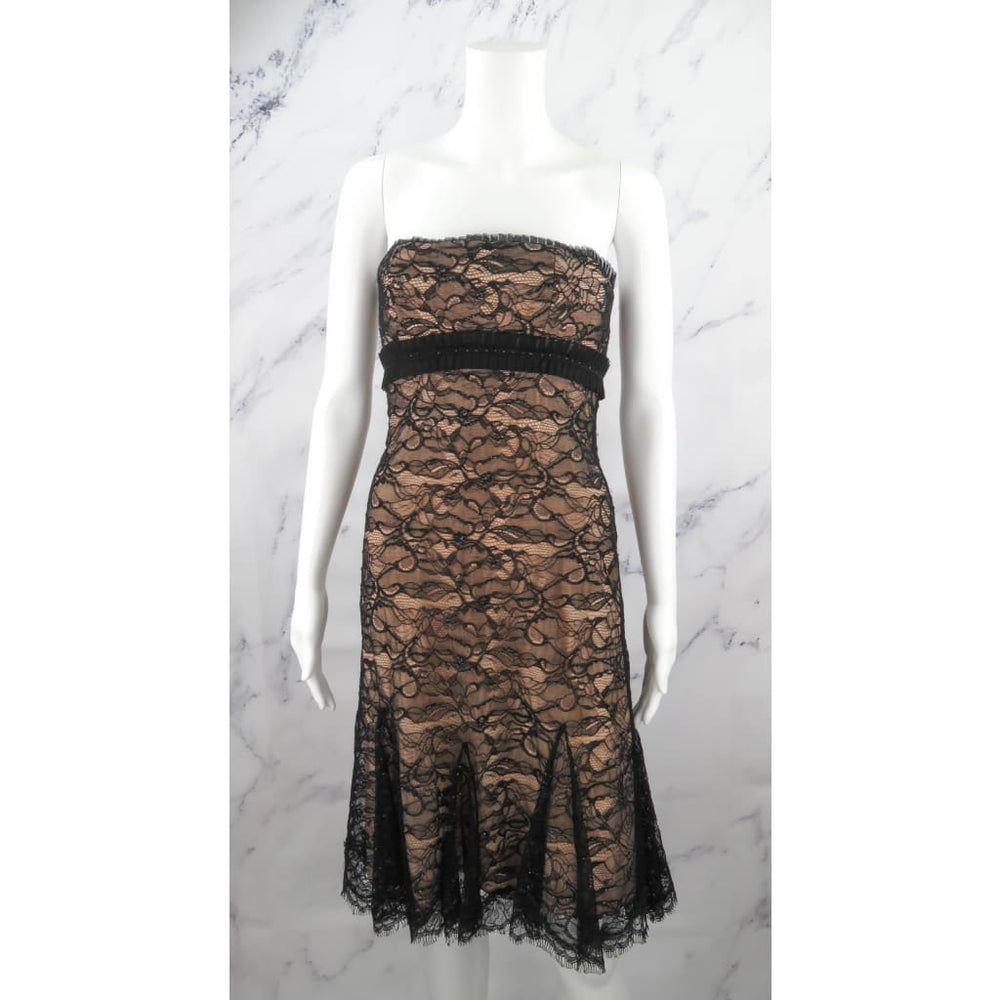 Badgley Mischka Black And Nude Lace Strapless Cocktail X