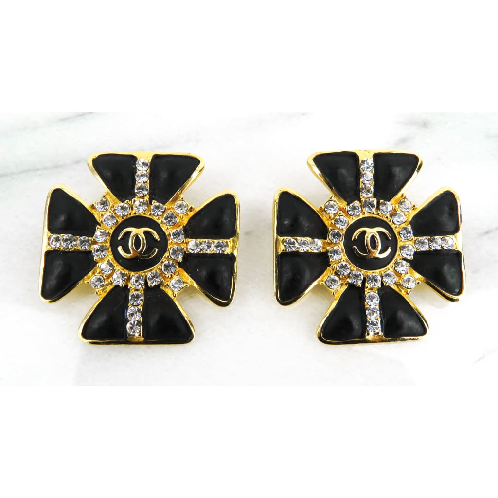 Chanel Black Gold-tone Crystal Gropoix Glass Flower Clip On Earrings - Earrings