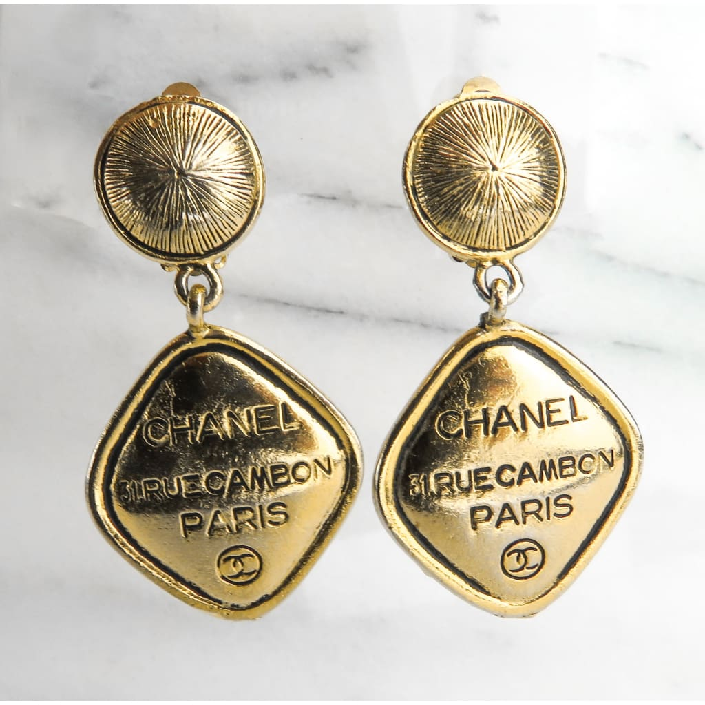 Chanel Gold-tone Vintage 31 Rue Cambon CC Clip On Drop Earrings - Earrings