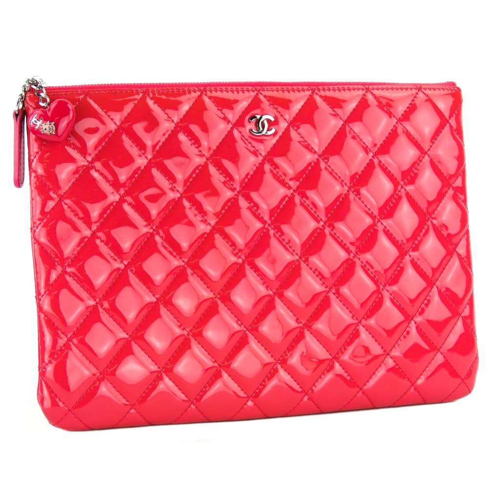 Chanel Pink Quilted Patent Leather Valentine Hearts O Case Clutch Bag - Clutches
