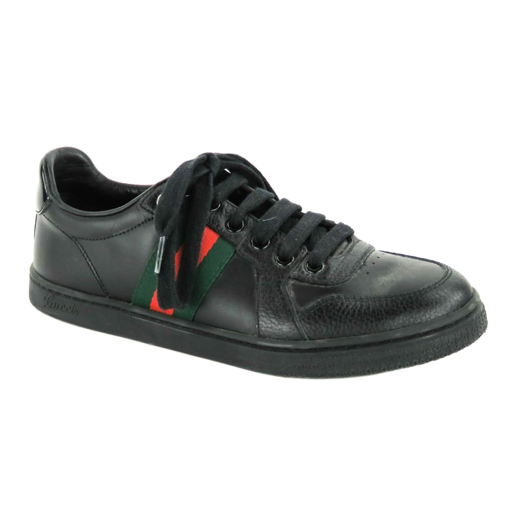 Gucci Black Leather GG Logo Low Top Sneakers - Sneakers