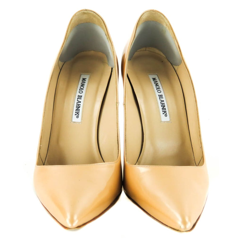 Manolo Blahnik Beige Patent Leather Bb Pointed Toe Pumps - Heels