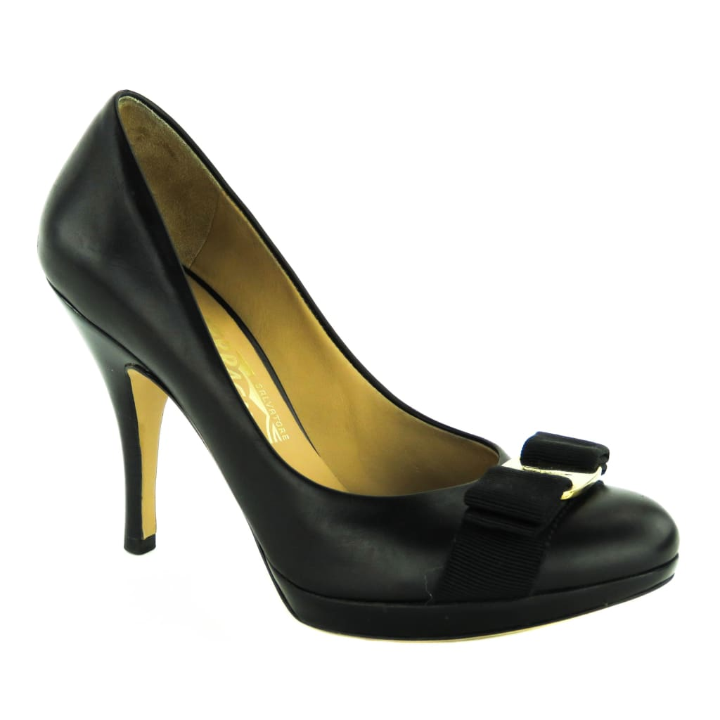 Salvatore Ferragamo Black Leather Vara Bow Pumps - Pumps