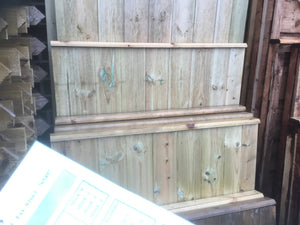 Wooden gate super Waney installed