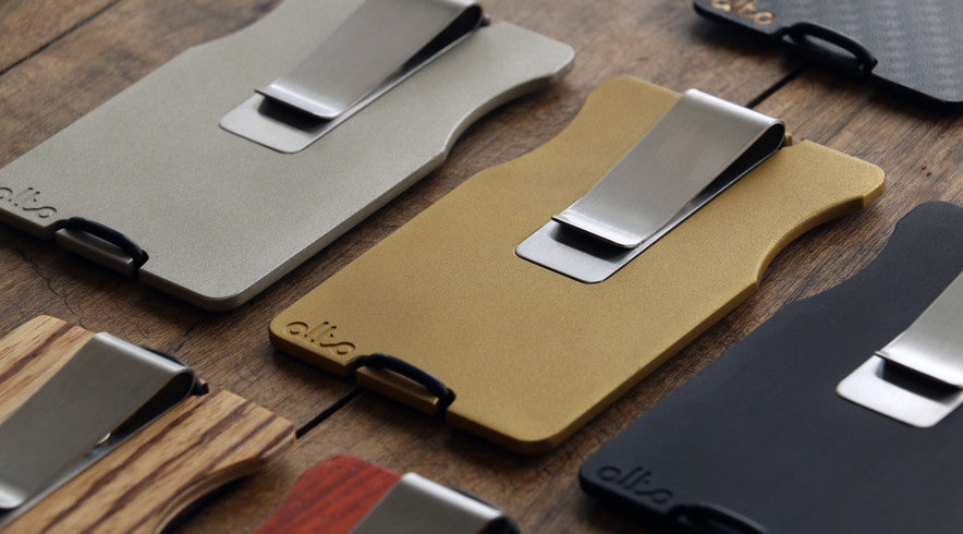 alto wallets on table