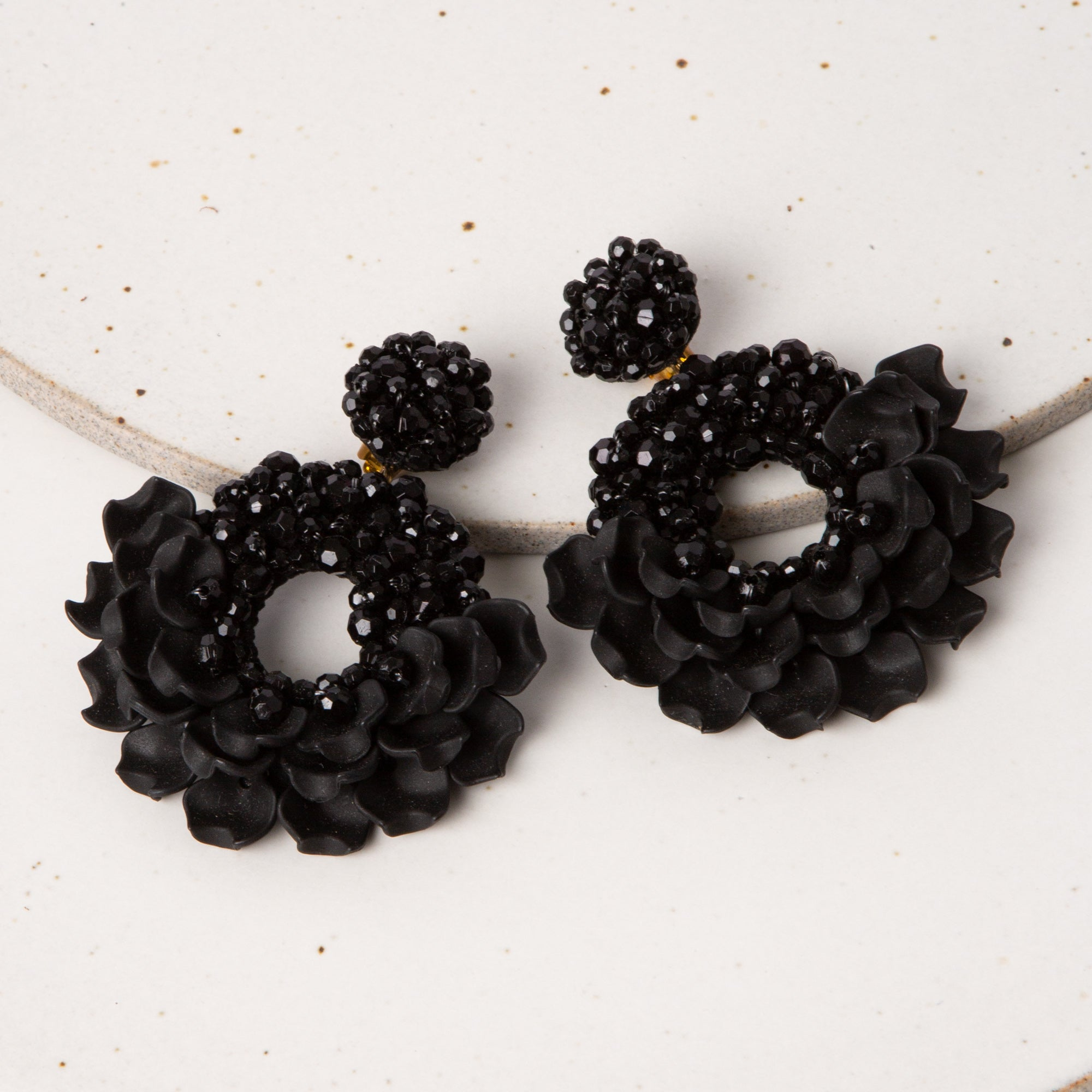 Dancing Lady Earrings / Black