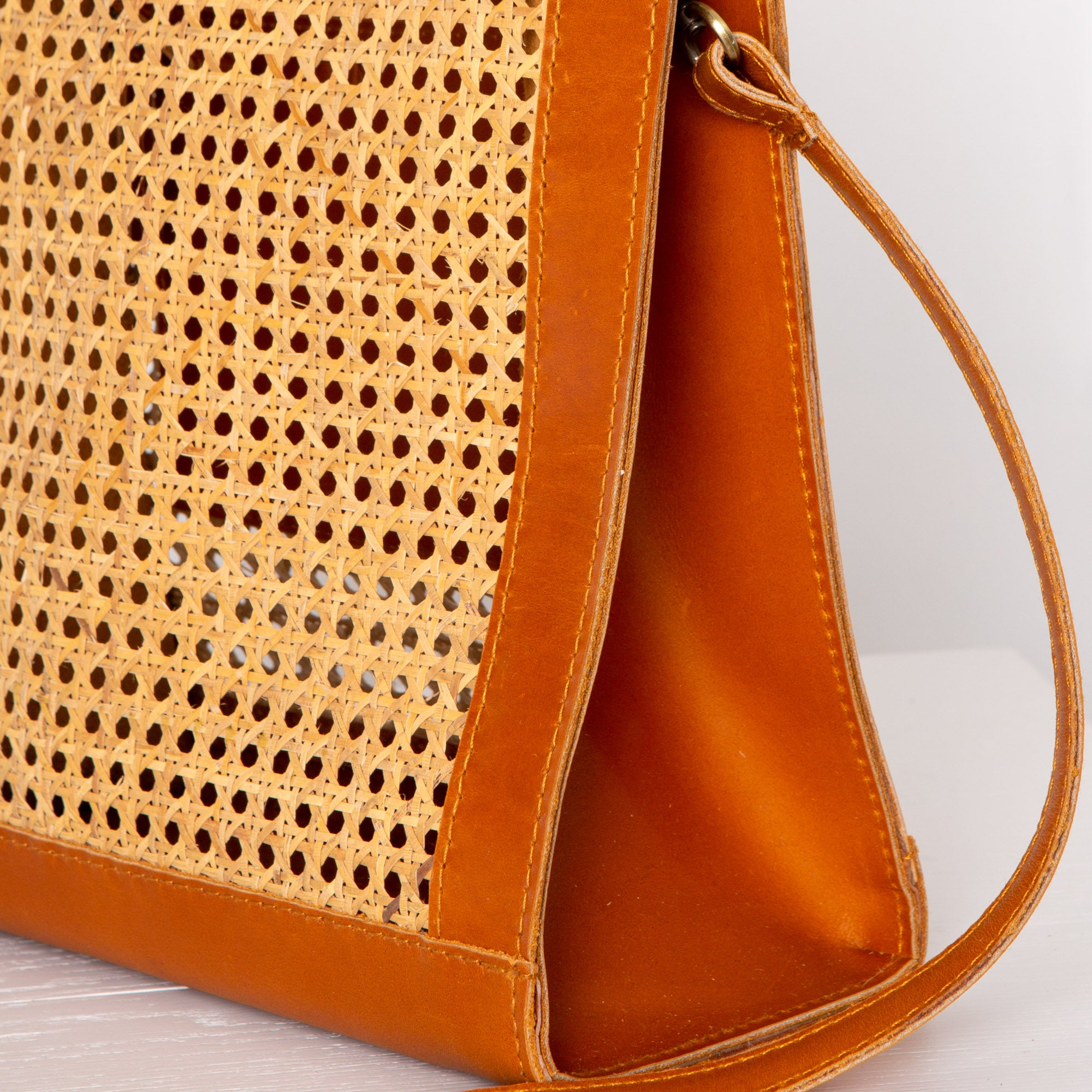 Sia Two-Way Tote / Tan