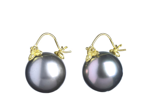 Dark Grey Tahitian Pearl Flyer Earring