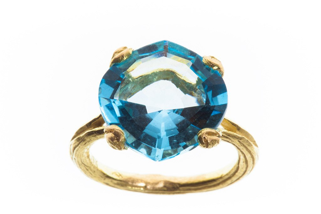Blue Topaz Petal Prong Eye ring