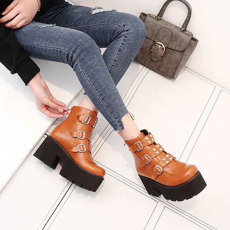 Women Platform Boots with Thick Bottom / Buckle Rivets Autumn/Winter Ankle Boots for Women - HARD'N'HEAVY