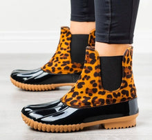 Load image into Gallery viewer, Leopard Print Duck Boots