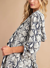 Load image into Gallery viewer, Snake Print Trench Jacket
