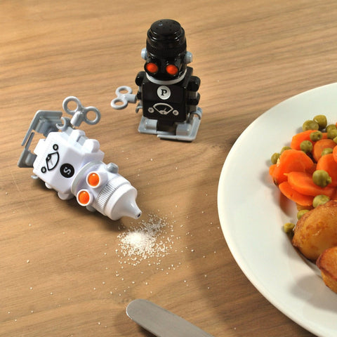 Robot Salt & Pepper Shakers - OddGifts.com